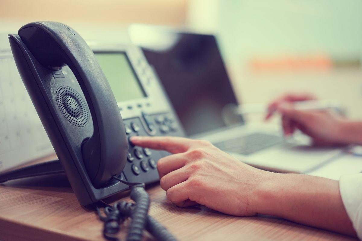 dialing voip deskphone